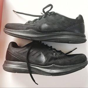 Nike woman 7.5 Wide